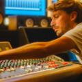 """En écoute : Yuksek nous offre un grand huit disco-house avec """"The Rollercoaster"""""""