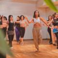 Afro-oriental dance : quand percussion et sensualité riment avec booty musclé (même confiné)