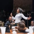 Première cheffe d'orchestre de France, Claire Gibault a plus d'une baguette dans son sac